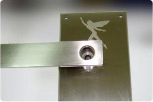 Grabación láser en metal